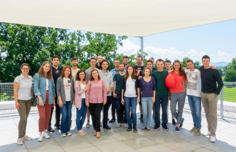 Študentje v treh dneh do sistema za uničevanje rakavih celic