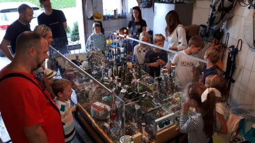 Otroci občudovali kako nastane elektrika ter maketo omrežja