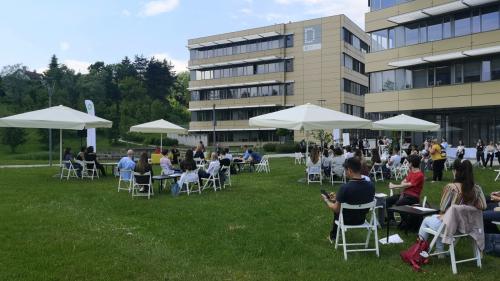 Srečanje vodilnih tehnoloških podjetij s študenti naravoslovnih ved