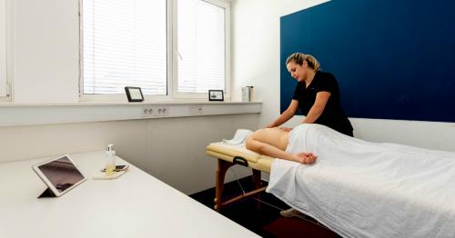 Brezplačna masaža na delovnem mestu za naše člane